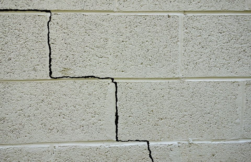 Underpinning services to fix foundations & cracks