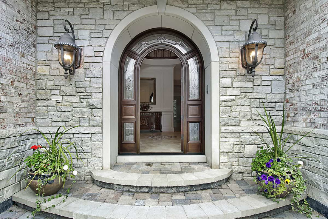 Residential and Commercial Entrances in Lexington, Kentucky (KY) for Homes and Businesses using Bricks or Stones